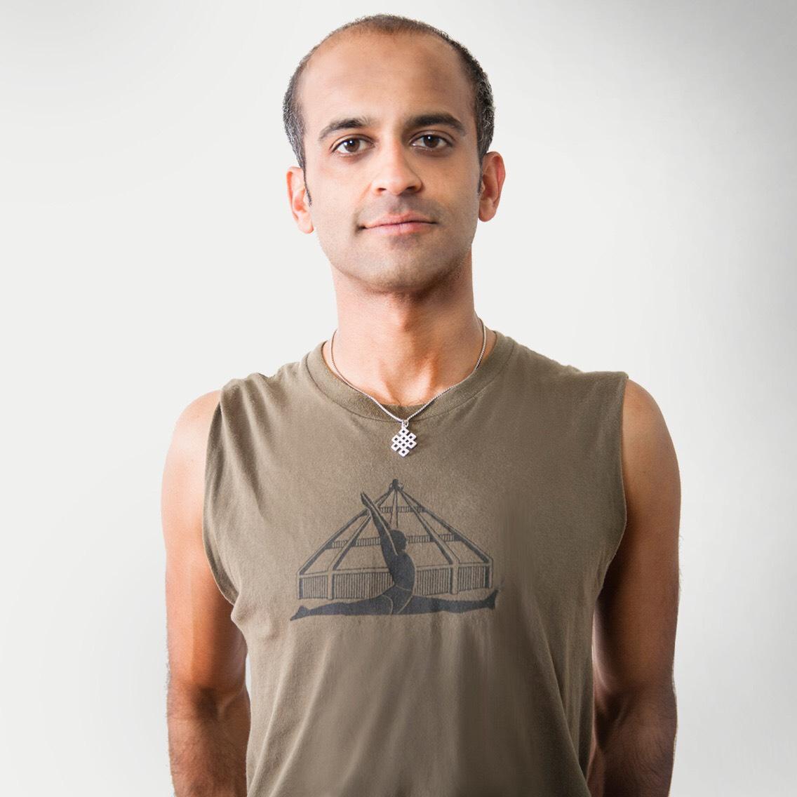 Yogi Zain Iyengar Yoga Teacher